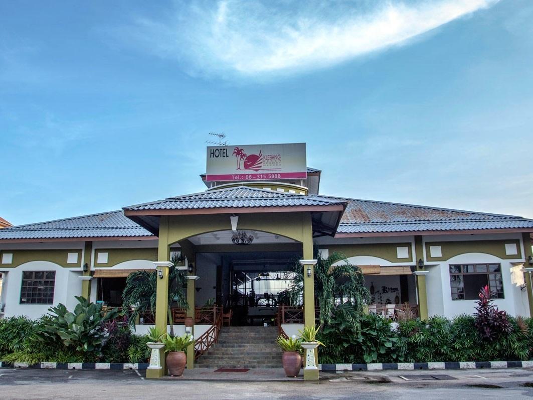Mahkota Hotel