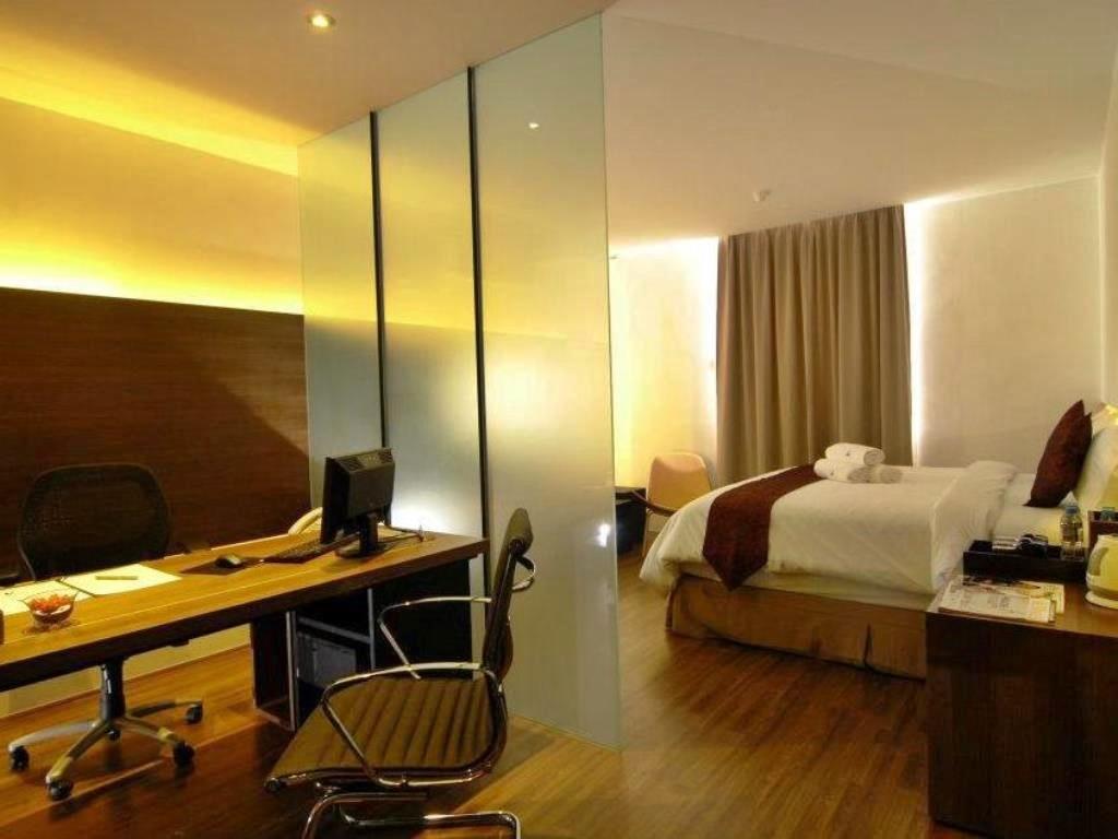Room in Mahkota Hotel